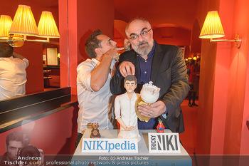 Tricky Niki Kabarettpremiere - Kabarett Simpl - Di 05.11.2019 - Tricky NIKI, Michael NIAVARANI mit Torte3