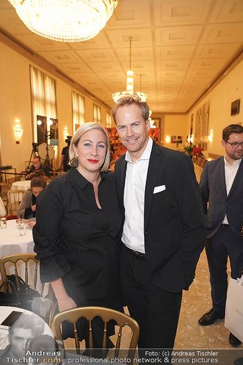 Tiara Präsentation - Wiener Staatsoper - Do 14.11.2019 - Vanessa und Hannes STEINMETZ-BUNDY2
