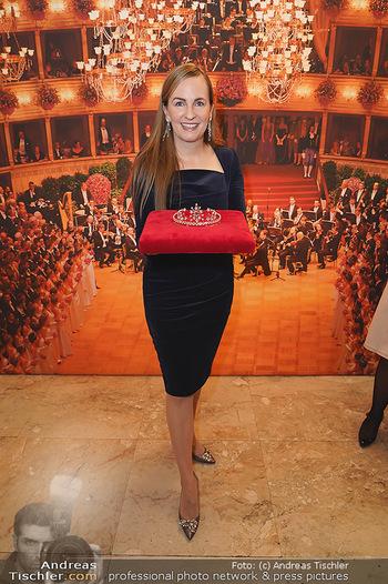 Tiara Präsentation - Wiener Staatsoper - Do 14.11.2019 - Maria GROßBAUER mit der neuen Tiara (Krönchen) von Swarovski18