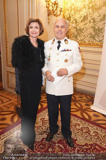 100 Jahre Tanzschule Elmayer - Palais Pallavicini, Wien - Di 19.11.2019 - Renate DANLER mit Ehemann15