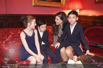 IMF Pressegespräch - Hotel Sacher, Wien - Do 21.11.2019 - Leona KÖNIG mit Kindern70