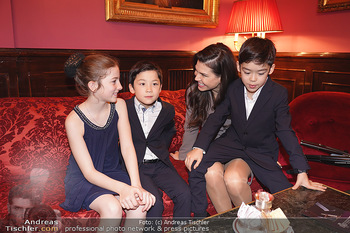 IMF Pressegespräch - Hotel Sacher, Wien - Do 21.11.2019 - Leona KÖNIG mit Kindern71