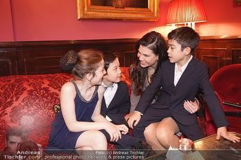 IMF Pressegespräch - Hotel Sacher, Wien - Do 21.11.2019 - Leona KÖNIG mit Kindern75