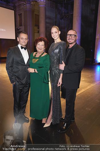 Haute Couture Award - Odeon Theater - Do 21.11.2019 - Annemarie MÖLZER, Wolfgang REICHL, Beatrice KÖRMER, Heimo TURI8