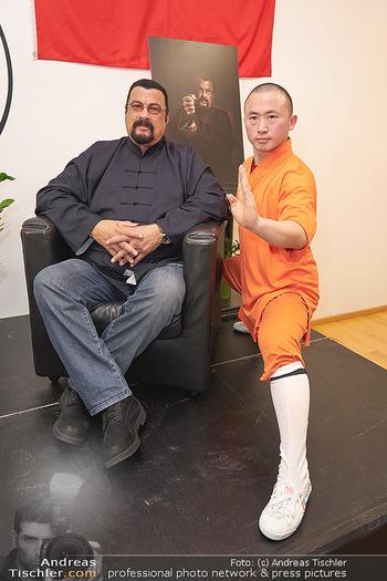 Steven Seagal PK - Shaolin Wushu Training Center - Fr 22.11.2019 - Steven SEAGAL, Li YUNFEI19