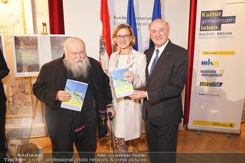 Buchpräsentation ´Kultur.Region.Europa´ - Bundesministerium für Europa, Integration und Äußeres, Wien - Mi 27.11.2019 - Erwin PRÖLL, Johanna MIKL-LEITNER, Hermann NITSCH1
