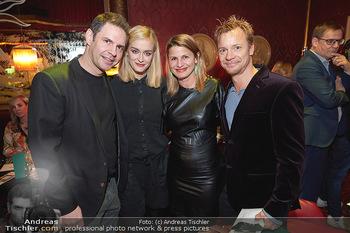 Vorpremiere Kristina Sprenger - Eden Bar, Wien - Di 03.12.2019 - Manuel WITTING, Pia STRAUSS, Doris HINDINGER, Christoph VON FRIE2