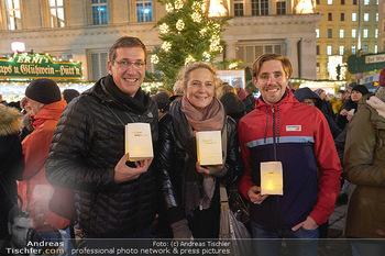 MOMO Lichtaktion - Adventmarkt Freyung Wien - Do 05.12.2019 - Martina KRONBERGER-VOLLNHOFER, Viktor GERNOT, Christoph SANDER1