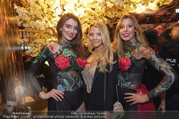Club-Bar Opening - Sechser, Wien - Do 05.12.2019 - Chiara PISATI mit Hostessen3