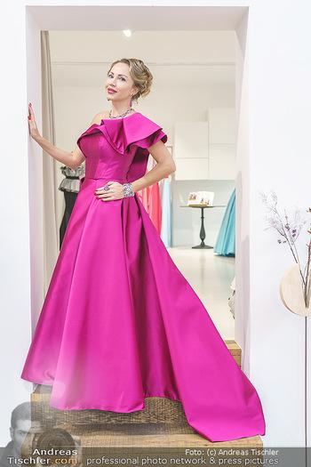 Ekaterina Mucha Opernballkleid Anprobe - Runway Fashion, Wien - Fr 13.12.2019 - Ekaterina MUCHA im Opernballkleid 202026