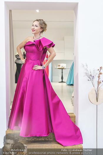 Ekaterina Mucha Opernballkleid Anprobe - Runway Fashion, Wien - Fr 13.12.2019 - Ekaterina MUCHA im Opernballkleid 202028