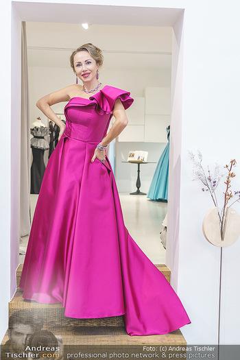 Ekaterina Mucha Opernballkleid Anprobe - Runway Fashion, Wien - Fr 13.12.2019 - Ekaterina MUCHA im Opernballkleid 202031