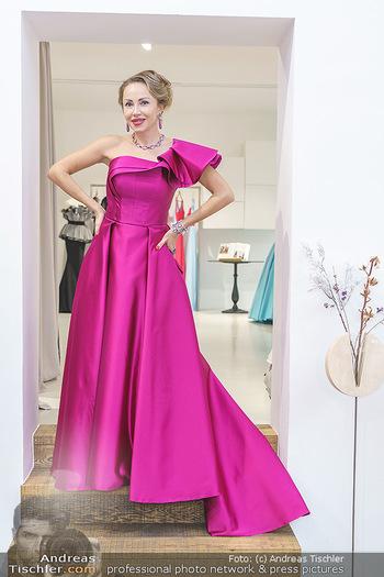 Ekaterina Mucha Opernballkleid Anprobe - Runway Fashion, Wien - Fr 13.12.2019 - Ekaterina MUCHA im Opernballkleid 202033