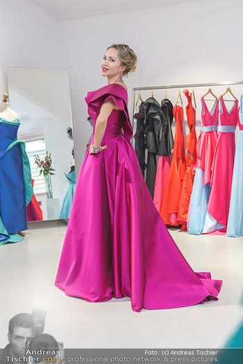 Ekaterina Mucha Opernballkleid Anprobe - Runway Fashion, Wien - Fr 13.12.2019 - Ekaterina MUCHA im Opernballkleid 202038
