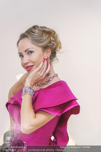 Ekaterina Mucha Opernballkleid Anprobe - Runway Fashion, Wien - Fr 13.12.2019 - Ekaterina MUCHA im Opernballkleid 2020 (Portrait mit Schmuck)40