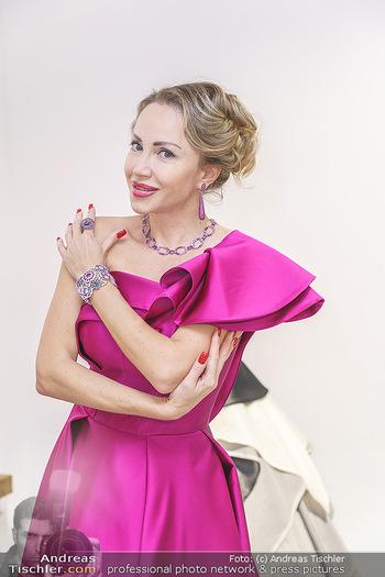 Ekaterina Mucha Opernballkleid Anprobe - Runway Fashion, Wien - Fr 13.12.2019 - Ekaterina MUCHA im Opernballkleid 2020 (Portrait mit Schmuck)49