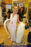 Tatjana Gsell - Ainedter Shop - Mi 02.02.2005 - 11