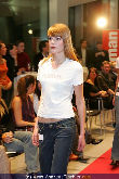 WOMAN Model Contest 2005 - NEWS Tower - Do 17.11.2005 - 12