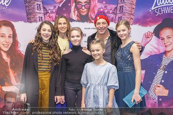 Kinopremiere ´Vier zauberhafte Schwestern´ - Village Cinema, Wine - Di 07.01.2020 - Laila Marie Noelle PADOTZKE, Hedda ERLEBACH, Lilith Julie JOHNA,1