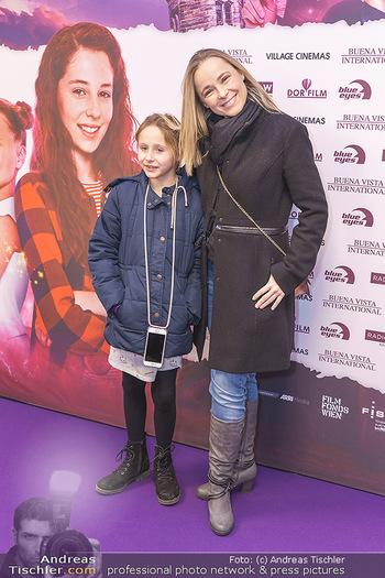 Kinopremiere ´Vier zauberhafte Schwestern´ - Village Cinema, Wine - Di 07.01.2020 - Missy MAY mit Tochter Marie6