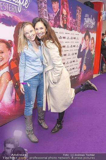 Kinopremiere ´Vier zauberhafte Schwestern´ - Village Cinema, Wine - Di 07.01.2020 - Tanja DUHOVICH, Missy MAY29