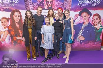 Kinopremiere ´Vier zauberhafte Schwestern´ - Village Cinema, Wine - Di 07.01.2020 - Gruppenfoto Cast34