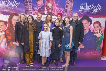 Kinopremiere ´Vier zauberhafte Schwestern´ - Village Cinema, Wine - Di 07.01.2020 - Gruppenfoto Cast35