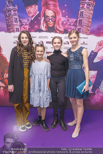 Kinopremiere ´Vier zauberhafte Schwestern´ - Village Cinema, Wine - Di 07.01.2020 - Laila Marie Noelle PADOTZKE, Hedda ERLEBACH, Lilith Julie JOHNA,36