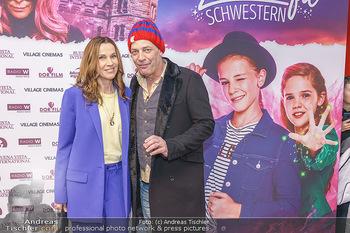 Kinopremiere ´Vier zauberhafte Schwestern´ - Village Cinema, Wine - Di 07.01.2020 - Doris SCHRETZMAYER, Gregor BLOEB41