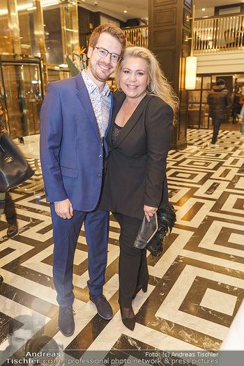 Jeannine Schiller Neujahrscocktail - Hilton Hotel Vienna, Wien - Di 07.01.2020 - Susanna HIRSCHLER mit Freund Felix30