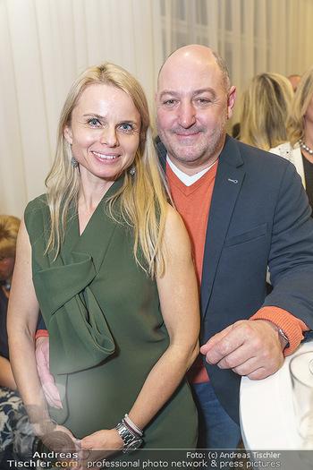 Neujahrsempfang - Hilfe-im-eigenen-Land Office - Mi 15.01.2020 - Rudi ROUBINEK mit Susanne4