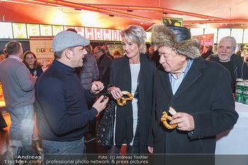 Kinopremiere ´Alles wird gut´ - Hollywood Megaplexx Gasometer, Wien - Mi 15.01.2020 - Richard LUGNER mit Begleitung ´Zebra´ Karin KARRER, Christian 16