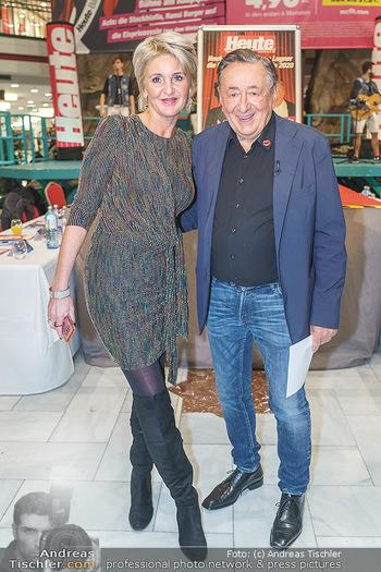Heute Opernballprinzessin - Lugner City, Wien - Mo 20.01.2020 - Richard LUGNER mit Begleitung ´Zebra´ Karin KARRER11