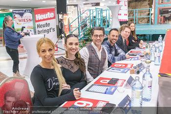 Heute Opernballprinzessin - Lugner City, Wien - Mo 20.01.2020 - Teil der Jury - Yvonne RUEFF, Kimberly BUDINSKY, Andreas SEIDL, 15