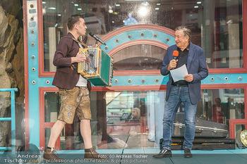 Heute Opernballprinzessin - Lugner City, Wien - Mo 20.01.2020 - Richard LUGNER, Hansi BERGER23