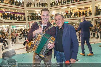 Heute Opernballprinzessin - Lugner City, Wien - Mo 20.01.2020 - Richard LUGNER, Hansi BERGER24