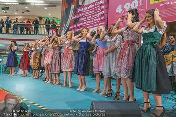Heute Opernballprinzessin - Lugner City, Wien - Mo 20.01.2020 - Teilnehmerinnen im Dirndl31
