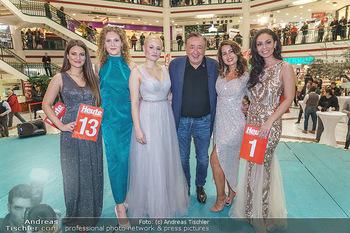 Heute Opernballprinzessin - Lugner City, Wien - Mo 20.01.2020 - Richard LUGNER mit den fünf Finalistinnen76