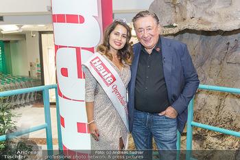 Heute Opernballprinzessin - Lugner City, Wien - Mo 20.01.2020 - Opernballprinzessin Elisa Pizzi TAPIA, Richard LUGNER86