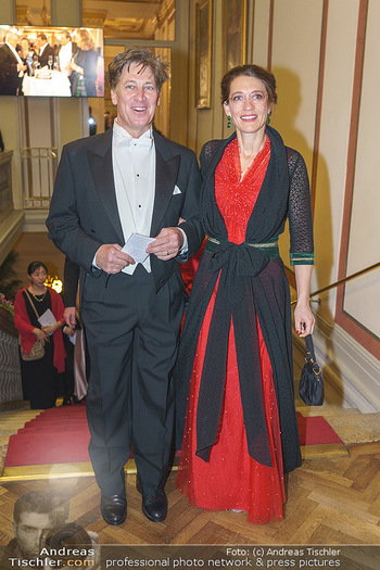 Philharmonikerball 2020 - Musikverein Wien - Do 23.01.2020 - Tobias MORETTI mit Ehefrau Julia65