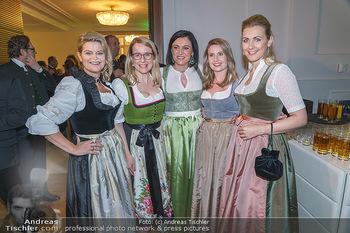 Jägerball - Hofburg Wien - Mo 27.01.2020 - Ministerinnen im Dirndl Elisabeth KÖSTINGER, Margarete SCHRAMB1