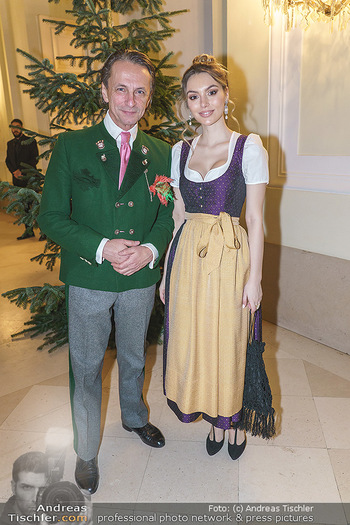 Jägerball - Hofburg Wien - Mo 27.01.2020 - Christian RAINER mit Freundin Sonja Magdalena MIELCZAREK10
