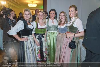 Jägerball - Hofburg Wien - Mo 27.01.2020 - Ministerinnen im Dirndl Elisabeth KÖSTINGER, Margarete SCHRAMB51