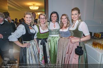 Jägerball - Hofburg Wien - Mo 27.01.2020 - Ministerinnen im Dirndl Elisabeth KÖSTINGER, Margarete SCHRAMB53