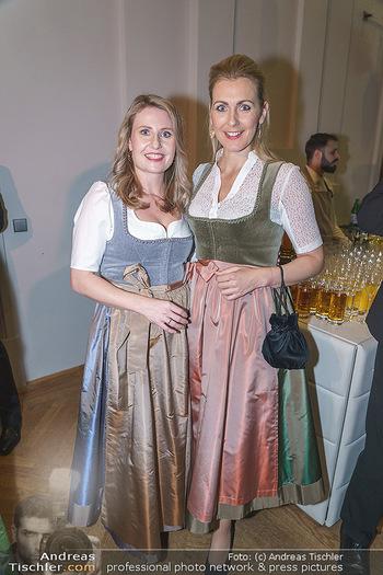 Jägerball - Hofburg Wien - Mo 27.01.2020 - Ministerinnen im Dirndl Christine ASCHBACHER, Susanne RAAB54