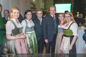 Jägerball - Hofburg Wien - Mo 27.01.2020 - Ministerinnen im Dirndl Elisabeth KÖSTINGER, Margarete SCHRAMB55