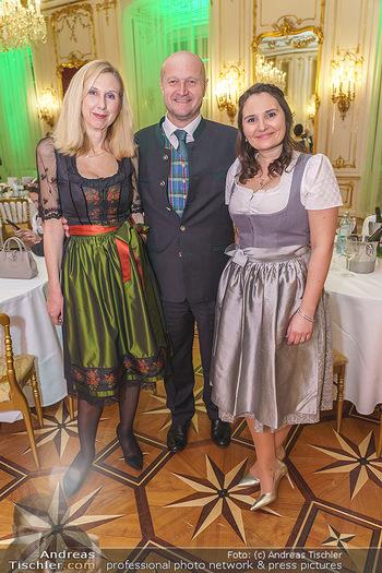 Jägerball - Hofburg Wien - Mo 27.01.2020 - Gernot FISCHER mit Ehefrau Monika, Stephanie ERNST113