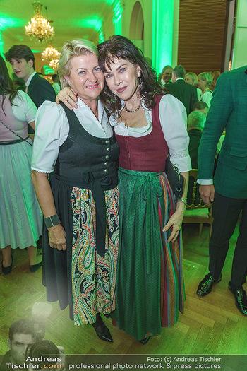 Jägerball - Hofburg Wien - Mo 27.01.2020 - Doris MUHR, Anja KRUSE117