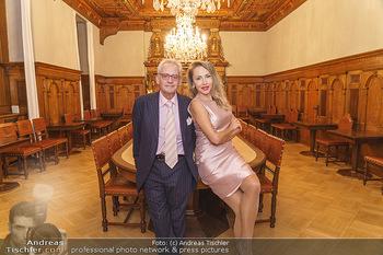 Ein Gemälde für Mikl-Leitner - Palais Niederösterreich, Wien - Mi 29.01.2020 - Christian und Ekaterina MUCHA15