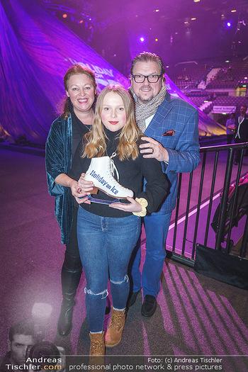 Holiday on Ice Premiere - Wiener Stadthalle - Mi 29.01.2020 - Familie Michael SCHADE mit Ehefrau Dee MCKEE mit Tochter Eva6